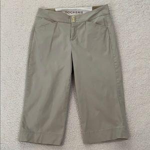 Dockers Beige Cotton Capri Pants  Size 4
